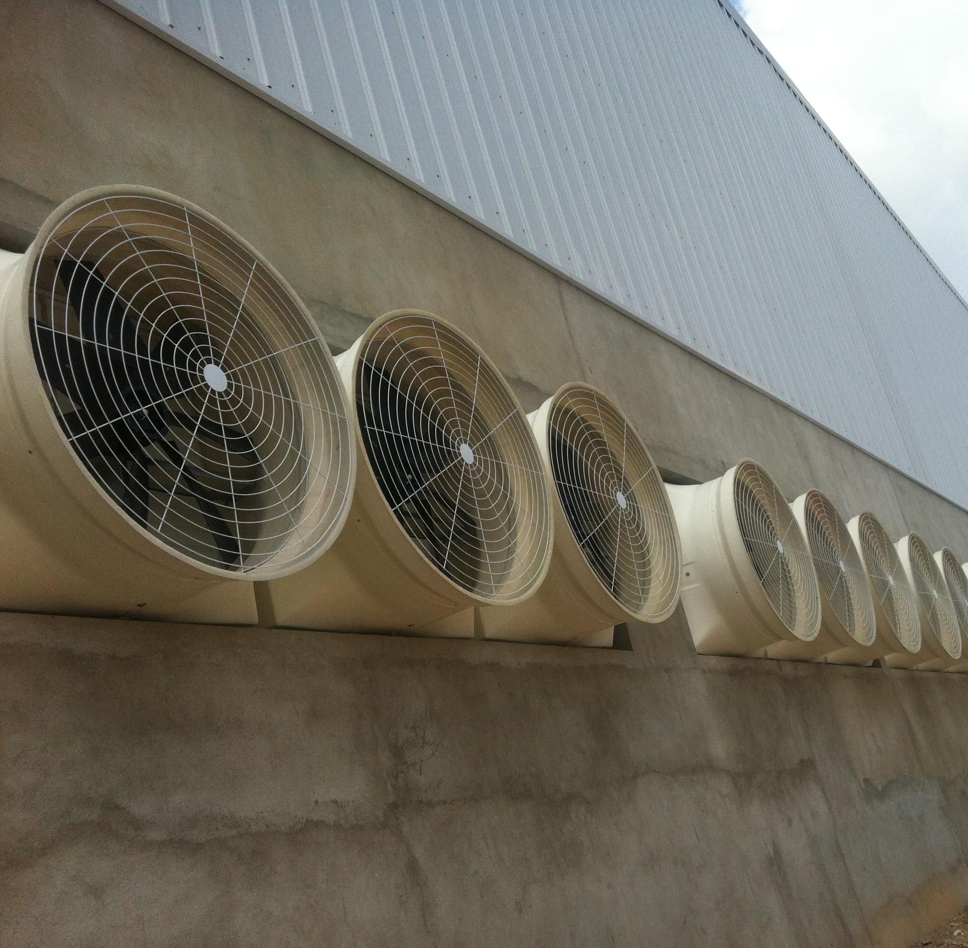 Tính cấp thiết của quạt hút công nghiệp trong nhà máy